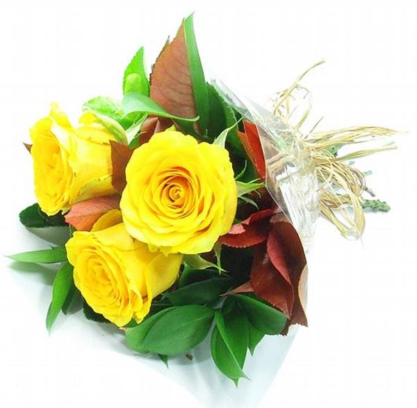 Mini Buquê de Rosas Amarelas