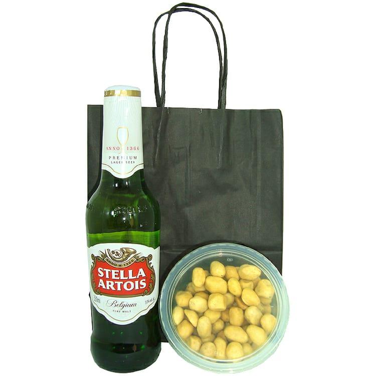 Stella Artois e Amendoim Japonês